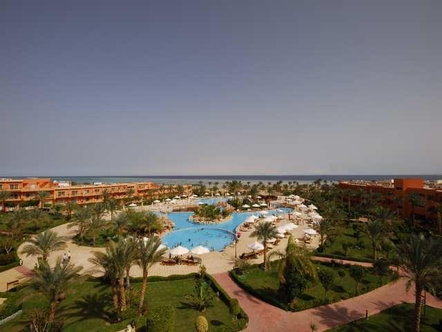 Amwaj Oyoun Resort + FREE TRANSFERS