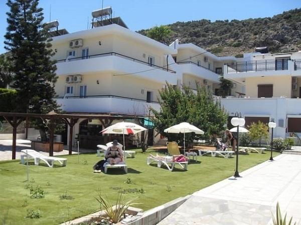 Iraklis Apartments